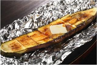 佐⼟原ナスの「バター醤油焼き」